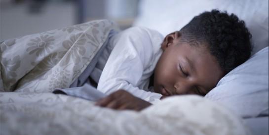 Sommeil : 6 astuces pour (vite) recaler les enfants avant la rentrée des classes