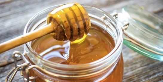 2 solutions simples et naturelles au miel pour éliminer les points noirs