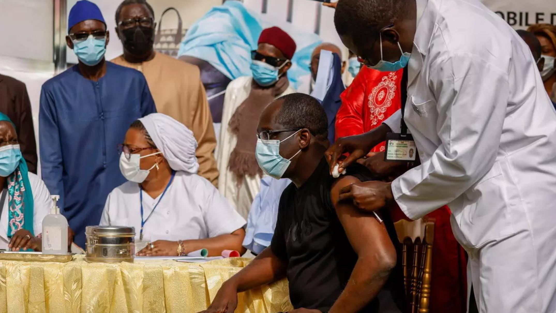 Covid-19: lancement de la campagne de vaccination au Sénégal