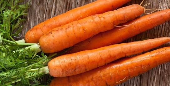 Les carottes crues pour éliminer la plaque dentaire